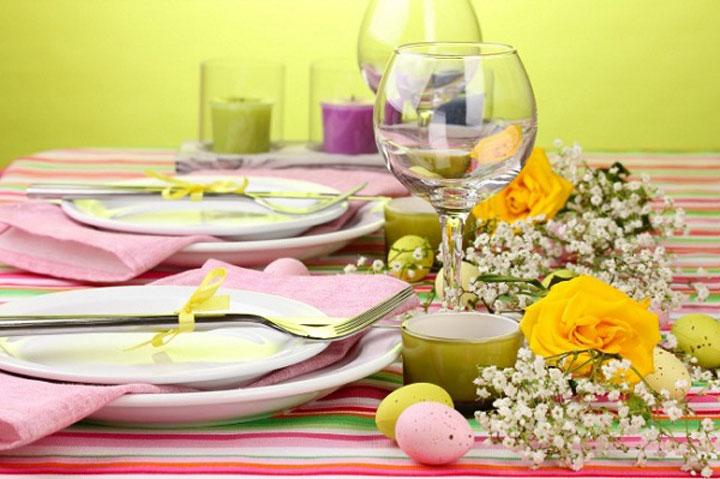 Декор пасхального стола в розовых тонах