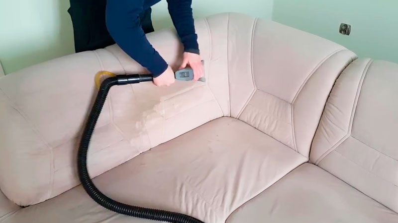 Химчистка мягкой мебели - преимущества процедуры