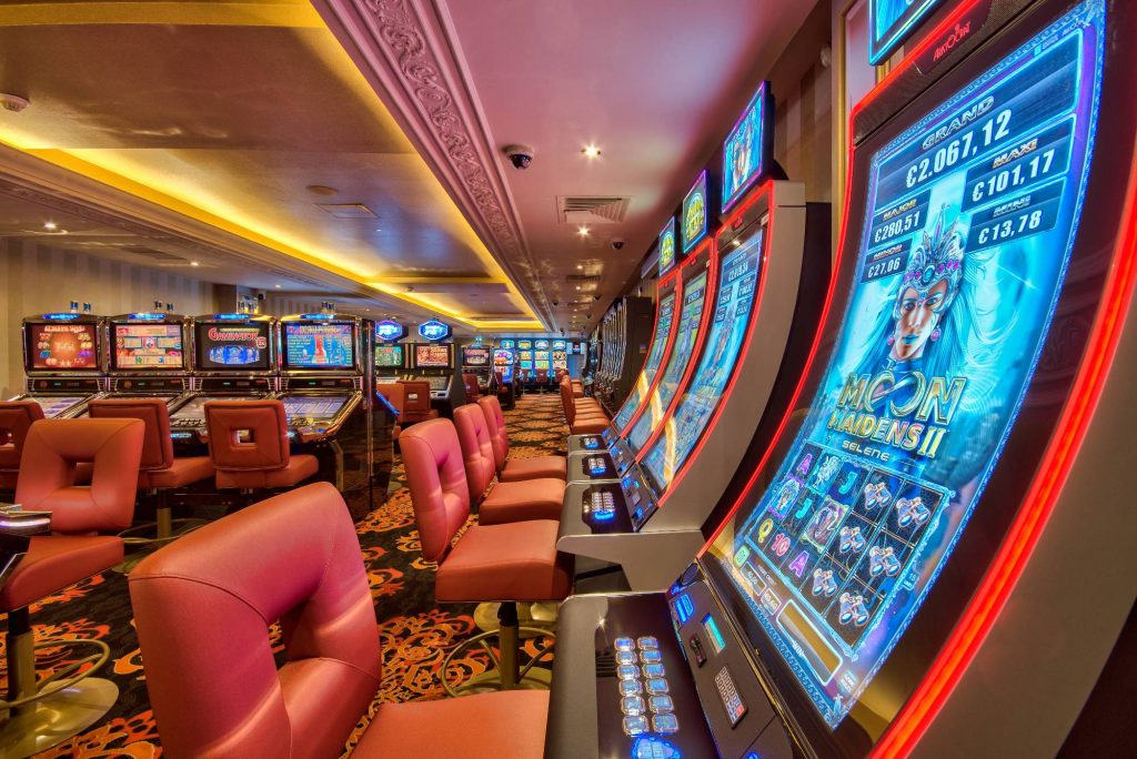 Два новых слота в казино Вулкан Кинг