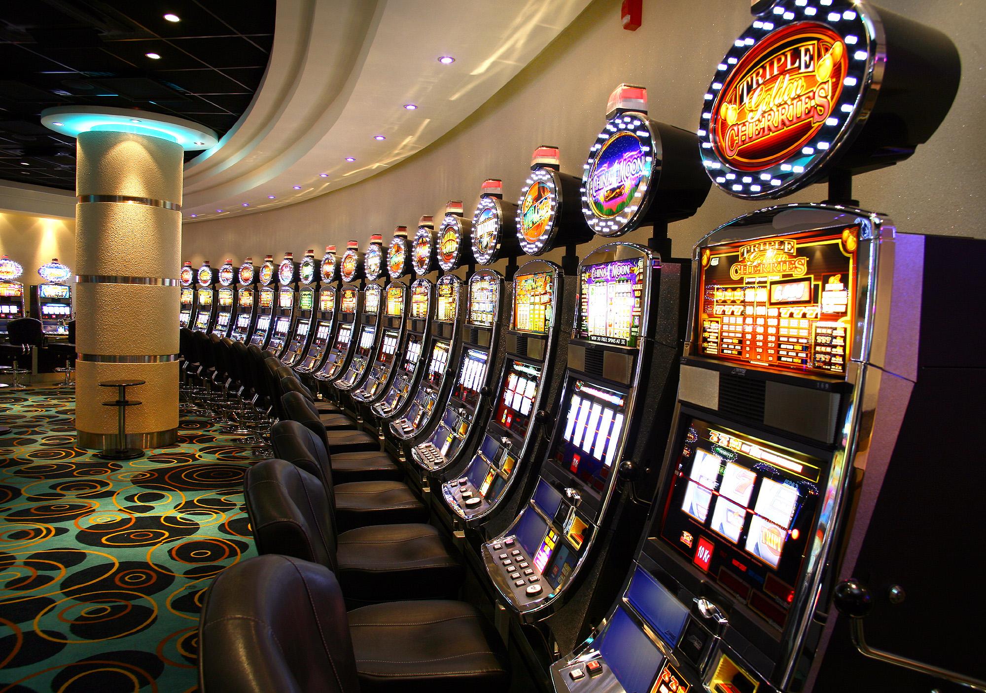 Как начать играть в демо. Бесплатно играем два новых автомата казино Вулкан