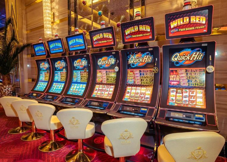 Играем в новые игровые автоматы казино Граф