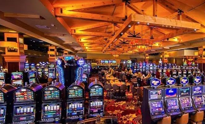 Профессиональные и денежные автоматы в Slot V casino