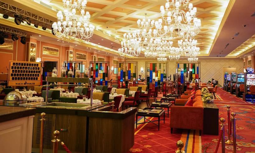 Играем в автомат Big Top в казино Император